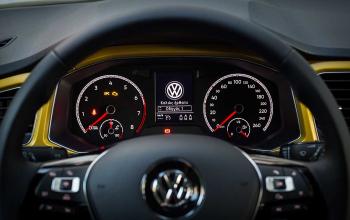 VW-TRoc-2017-10